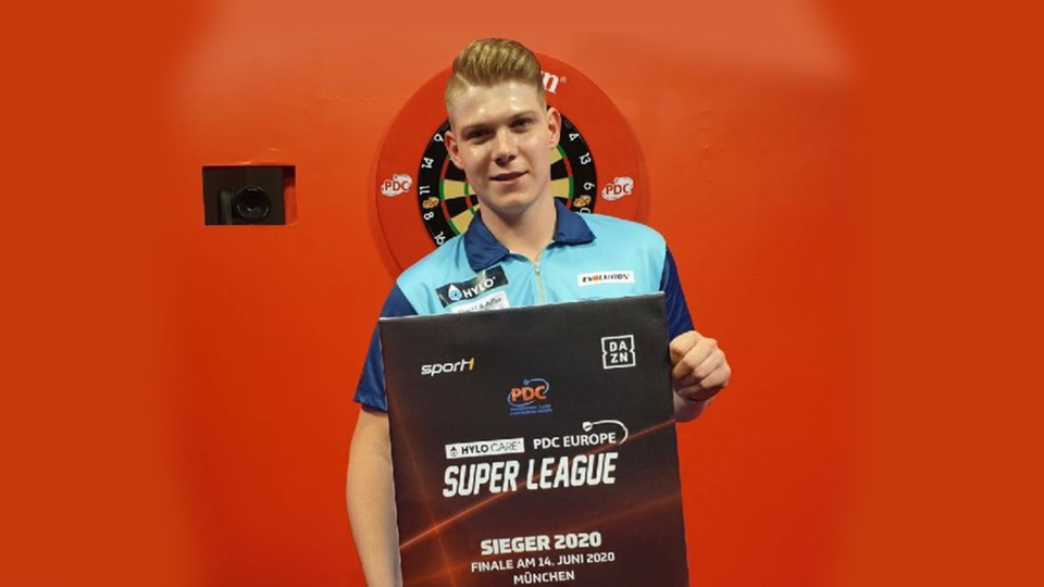 Nico Kurz wins the German Super League