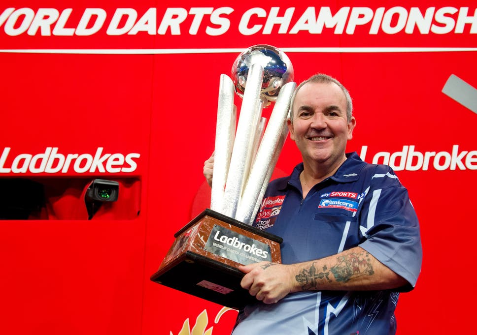 Phil Taylor winning his final world title and 16th world tile