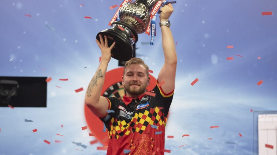 Van den Bergh wins 2020 World Matchplay final