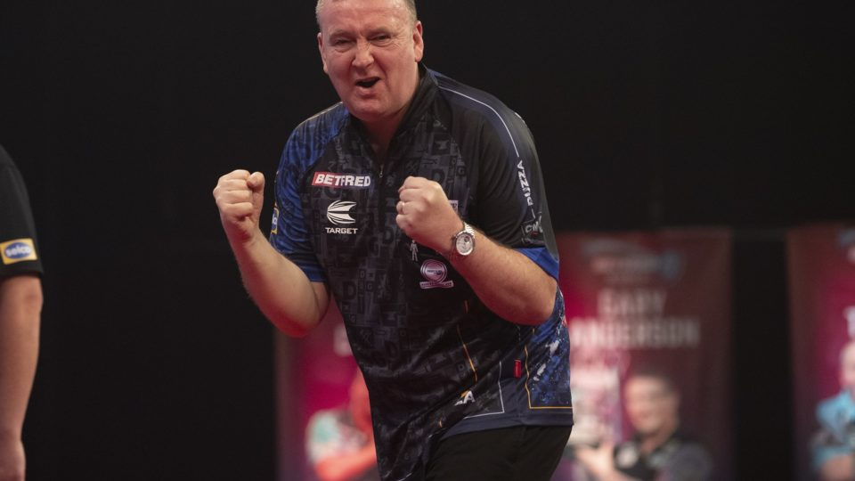 Dimitri and Duzza win on day seven of World Matchplay