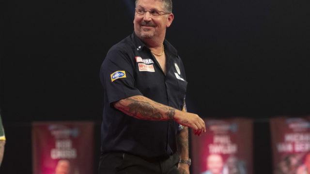 Anderson and Van den Bergh meet in World Matchplay Final