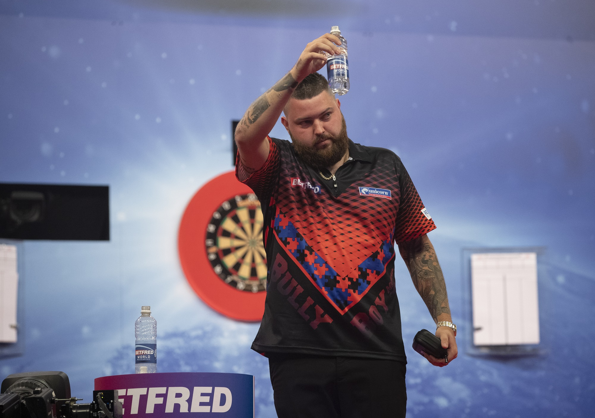 BullyBoy Michael Smith Spurred On By Wayne Mardle's Comments