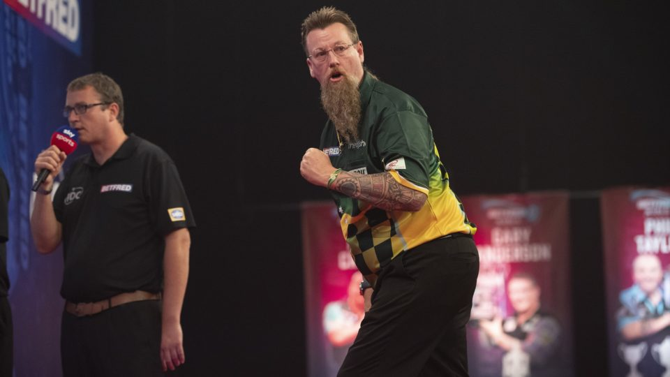Whitlock shocks MvG on day four of World Matchplay