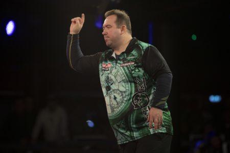 Brendan Dolan playing darts