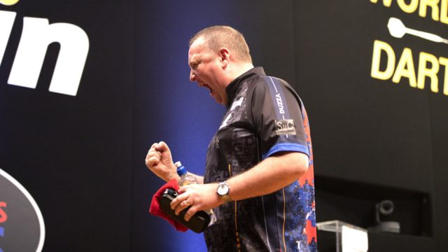 Durrant edges out Van Gerwen on day 2 of the World Series Finals