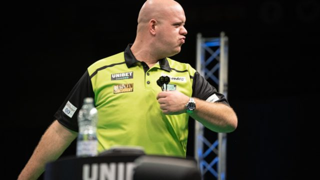 MvG and Price win in round one of European Championship