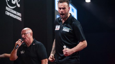 Super Smudger Sends Price Packing – International Darts Open Day 2 Roundup