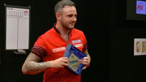 Cullen wins on final day of International Darts Open