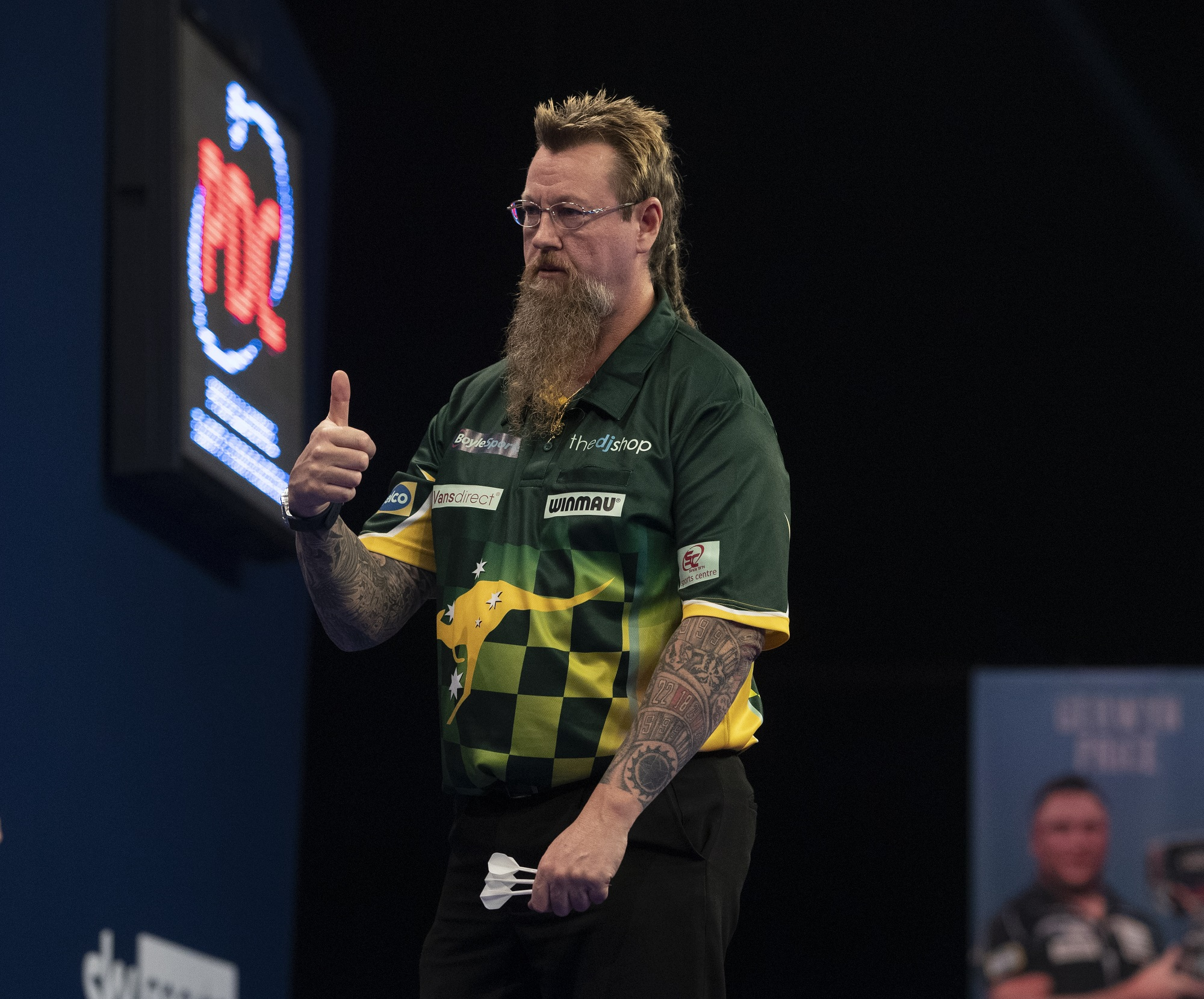 Whitlock outlasts MvG in Grand Slam quarter final classic