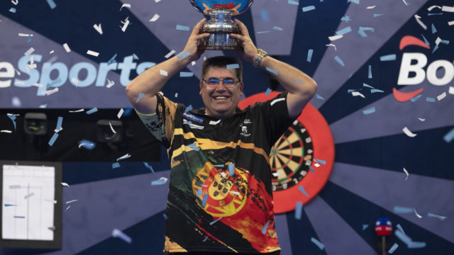 De Sousa wins 2020 Grand Slam of Darts Final