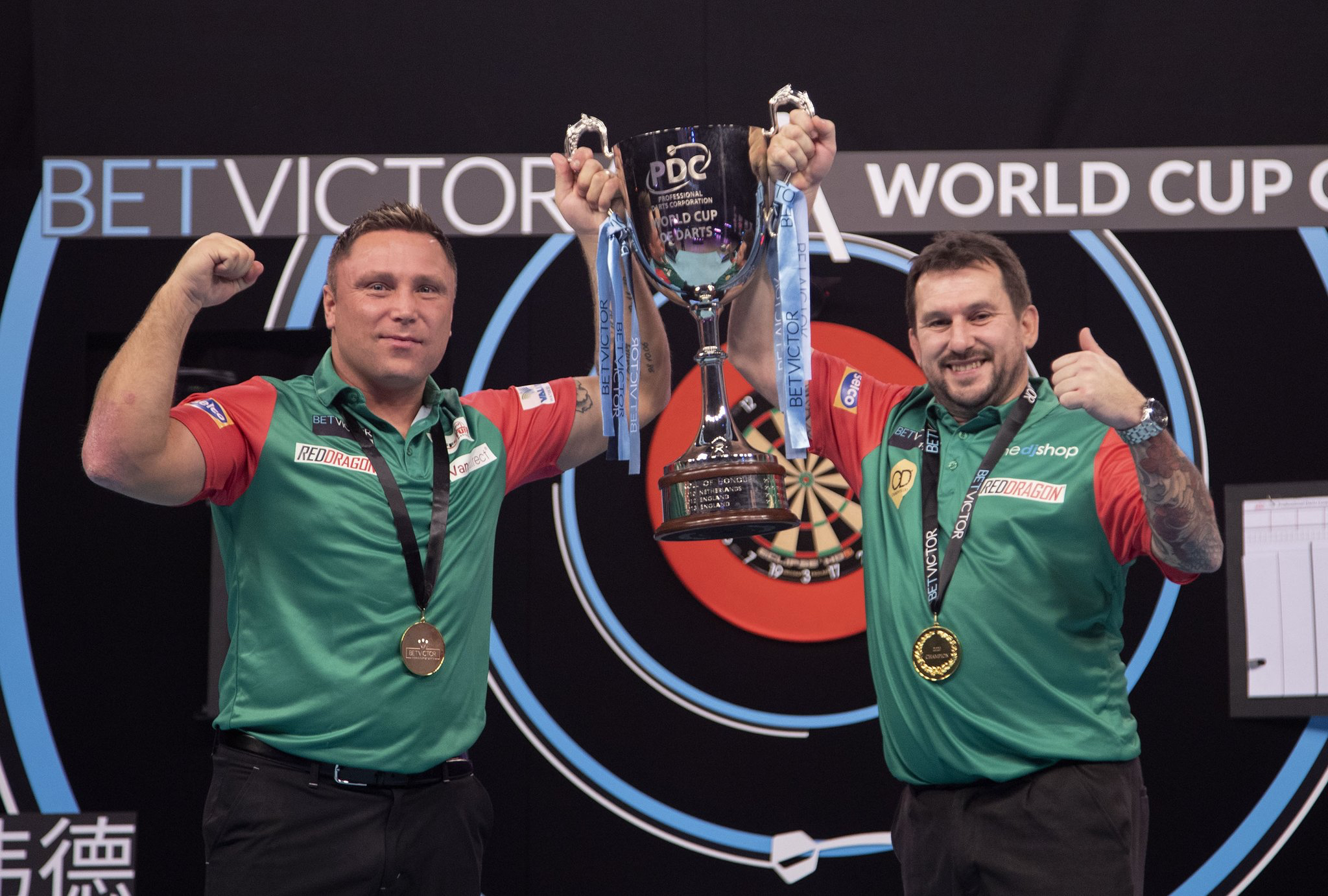 Wales win 2020 World Cup of Darts Final