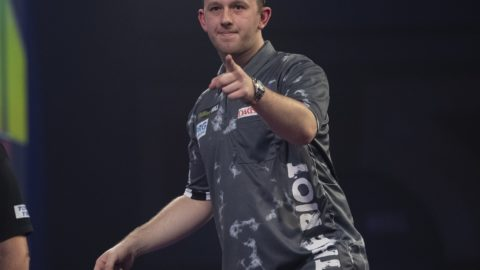 Rydz defeats Clayton to win day two of PDC Super Series
