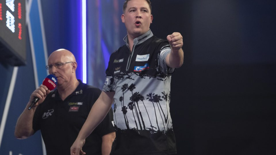Day two of World Darts Championship sees Dobey stun Smith in classic