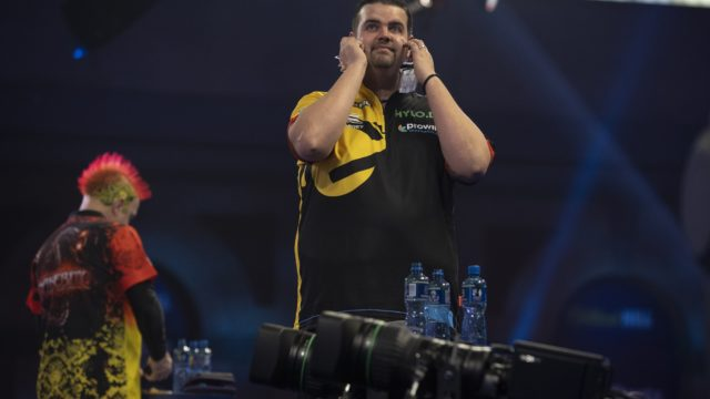 Wright stunned on day ten of World Darts Championship