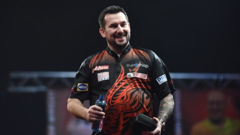 Clayton finally wins on PDC Super Series Day Four