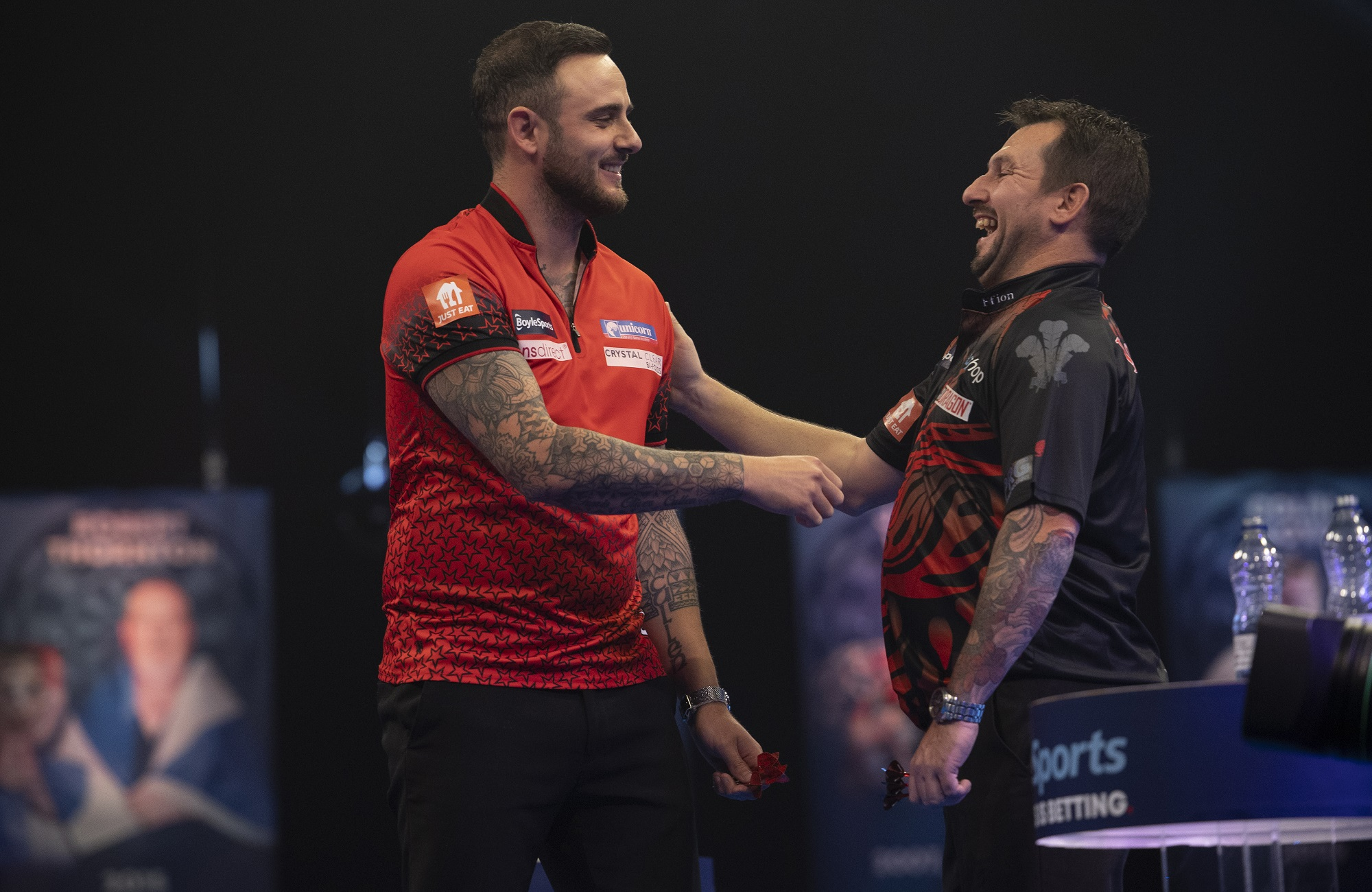 Cullen defeats Clayton to win day one of PDC Super Series