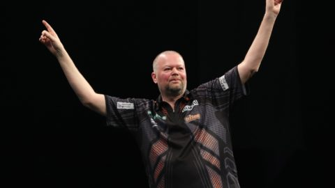 Stunning van Barneveld wins PDC Super Series day three title