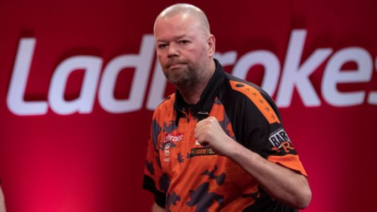 Raymond van Barneveld playing darts