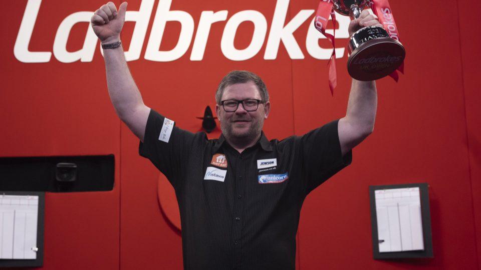 Wade beats Humphries to win 2021 UK Open Final