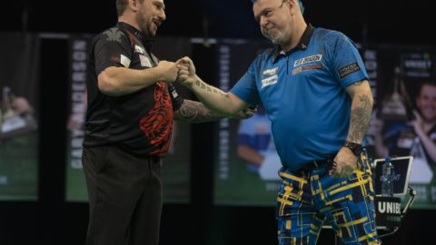 Wright and Clayton draw in Premier League night one thriller