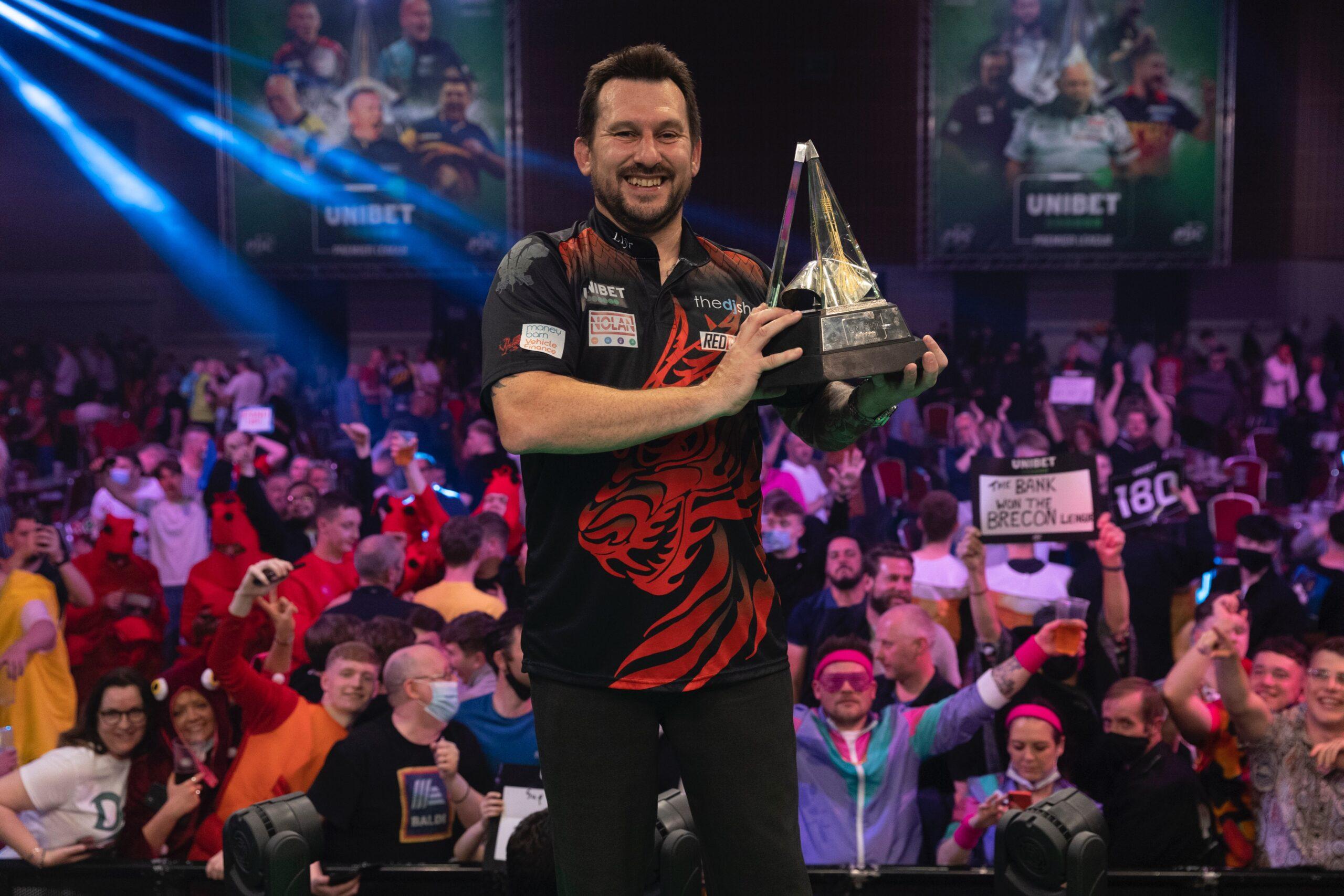 Superb Clayton wins Premier League Darts title