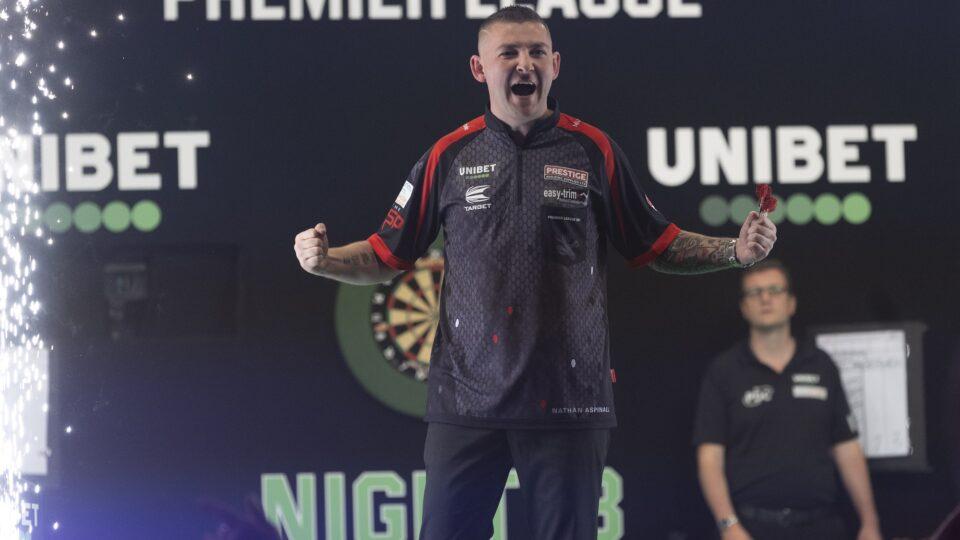 Aspinall and De Sousa into Premier League Darts Play-Offs