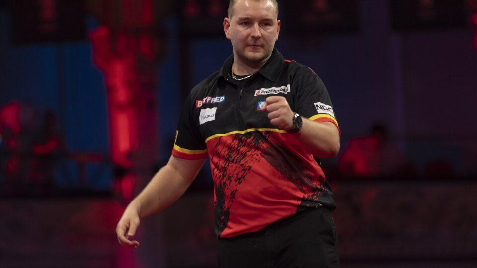 Van den Bergh beats Price on day six of World Matchplay